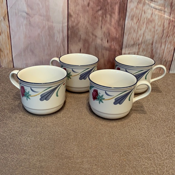 4 Lenox retired Poppies on Blue small tea cup set